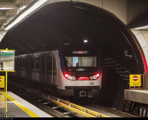 کارواش قطار متروی تهران با بخار