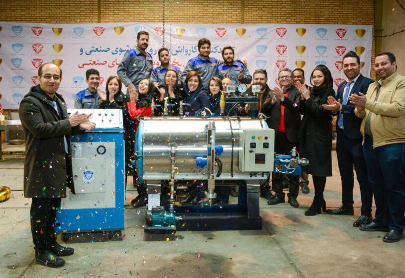 2 جشن تولید هزارمین دستگاه کارواش بخار و بخارشوی صنعتی توسط استیم پاور، تیم توان راسا